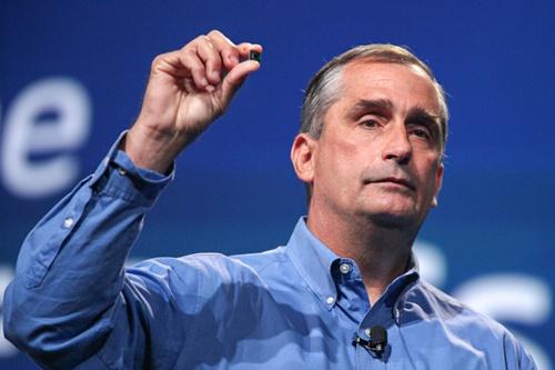 Виконавчий директор Intel Брайан Кржаніч представляє процесори Quark.